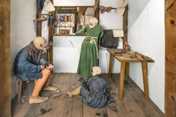 Shoemakers workshop in the City History Museum Spandau photo: Citadel Berlin, Friedhelm Hoffmann