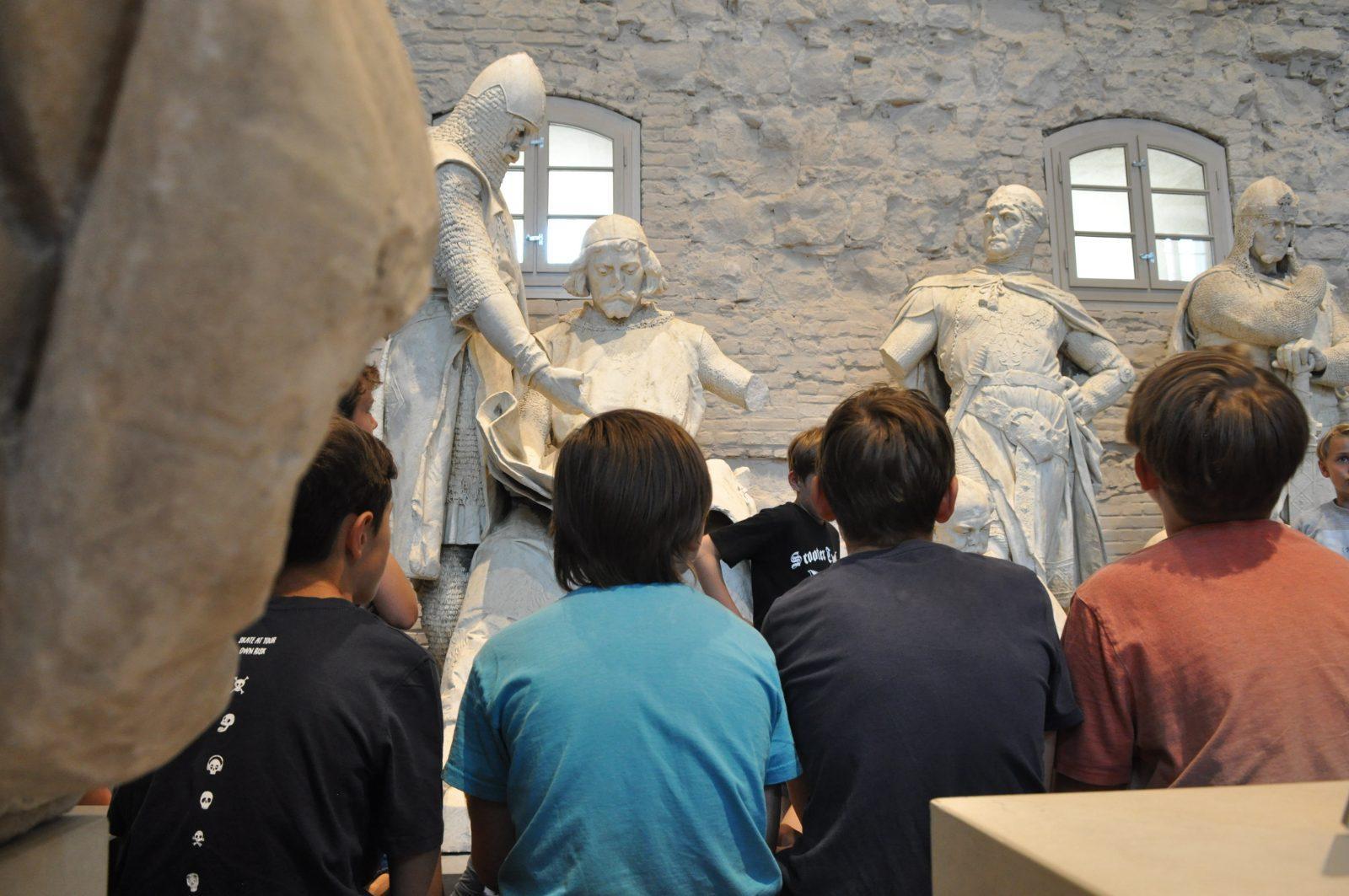 """Ferienprogramm auf der Zitadelle in """"Enthüllt. Berlin und seine Denkmäler"""""""