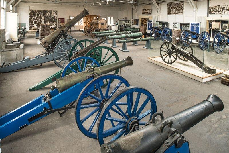 Kanonenausstellung in der Exerzierhalle, Foto: Zitadelle Berlin, Friedhelm Hoffmann