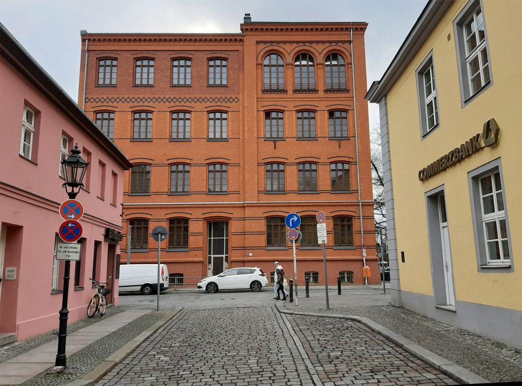 Wettbewerb für Kunst am Bau – Musikschule Spandau, Ansicht Moritzstraße mit Haupteingang © Christian Hamm